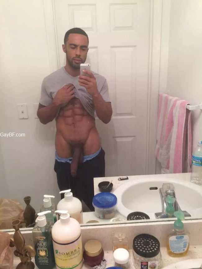 Gay Porn Stars & Hot Guys To Follow on Snapchat
